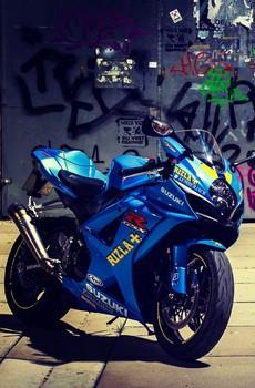 铃木摩托车高清壁纸