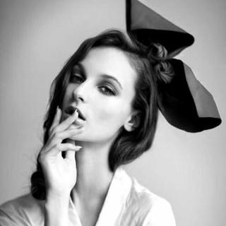 性感欧美黑白美女壁纸-中关村在线手机壁纸