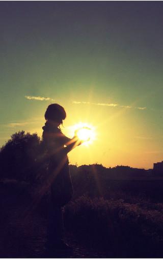 阳光下的唯美女孩壁纸