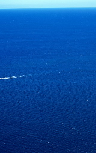 蓝色大海风景桌面壁纸