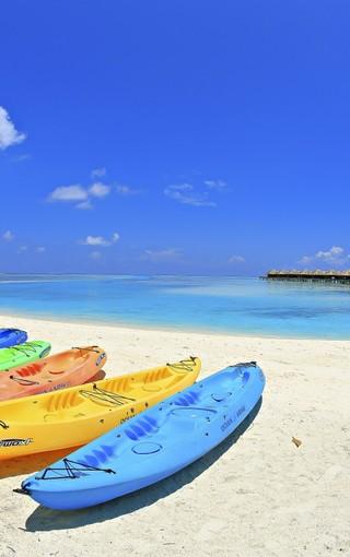马尔代夫蓝色的大海手机壁纸