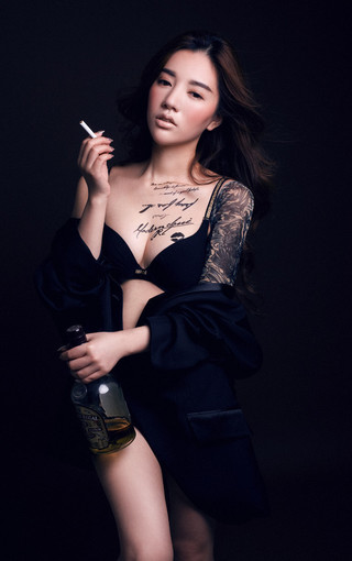 纹身的性感美妞壁纸 第8页-zol手机壁纸