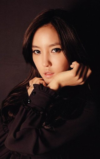 韩国人气美女手机壁纸